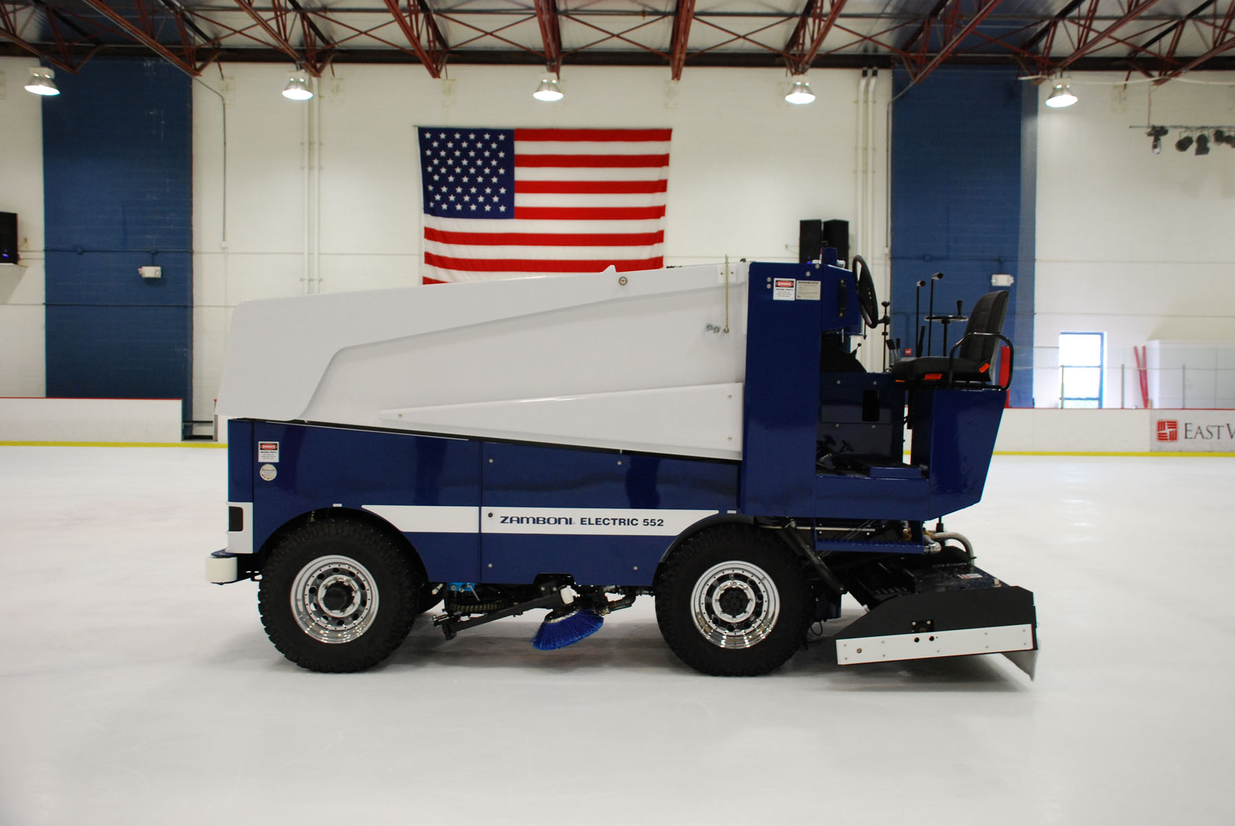 Model 552 Electric Zamboni