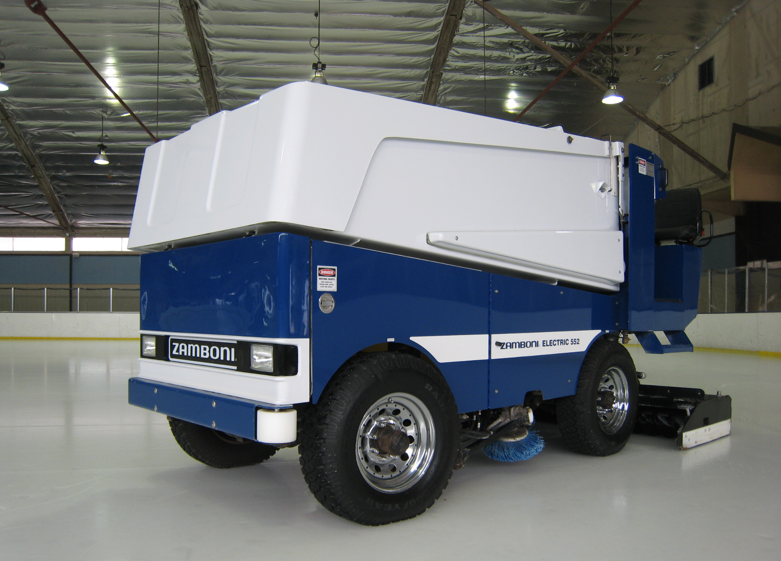 Model 552 for Home zamboni