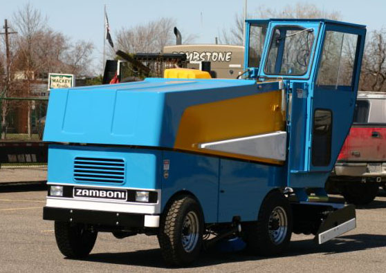 Model 540 with cab for driver for Home zamboni